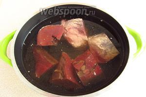 Залить сердце холодной водой и варить до мягкости (около 3 часов).
