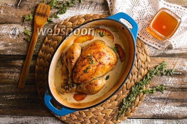 Фото Цыплёнок по-нормандски с сидром и яблоками