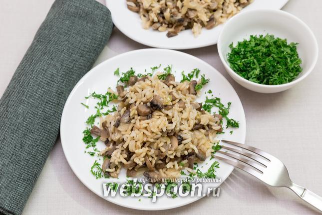 Фото Постный рис грибами и луком