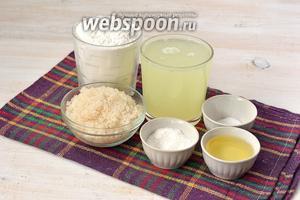 Для приготовления блинов нам понадобится сыворотка, мука, подсолнечное масло, сода, соль, сахар.