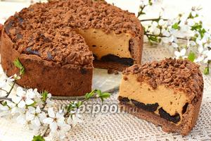 Карамельный сырник с черносливом