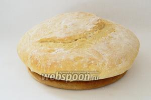 Готовый хлеб, при постукивании, должен издавать пустой глухой звук. Паляницу охлаждаем на решётке и подаём. Приятного аппетита!