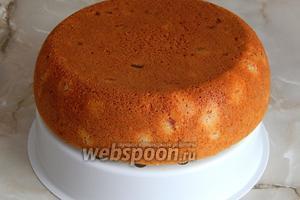 Вынимаем кекс с помощью вставки для приготовления на пару. Остужаем и наслаждаемся с молочком, чаем, кофе или компотом!