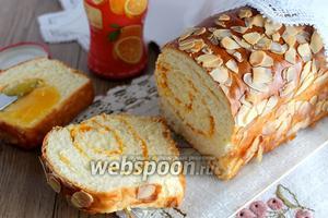 Тостовый хлеб с миндальными лепестками