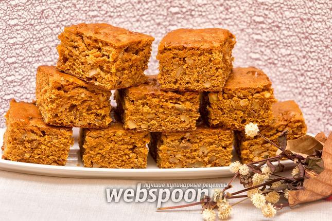 Фото Пирог на варёной сгущёнке с орехами