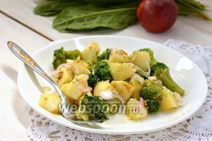 Салат из брокколи с яблоком