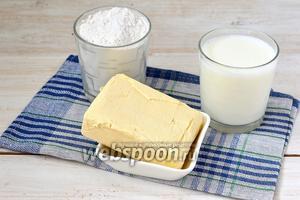 Для приготовления коржей нам понадобится маргарин, мука, молоко.