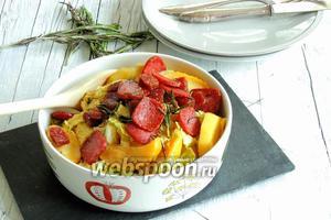 Яблочно-капустный топф с сухой колбаской