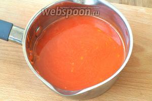 В готовый горячий сок добавить набухший желатин и размешать до полного растворения.