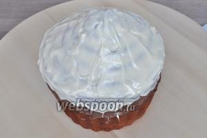 На два раза обмазать верх торта.