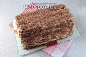 Торт аккуратно освободить от фольги и посыпать тёртым шоколадом. Приятного чаепития!