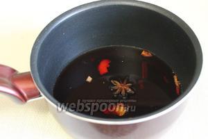 Налить сок и чай, желаемой крепости (если крепкий не нужен, то разбавить кипятком, как обычно). Добавить сахар.