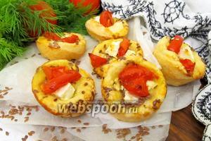 Слойки с помидорами и брынзой