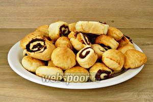 Готовое печенье охлаждаем и подаём, посыпав сахарной пудрой. Приятного чаепития!