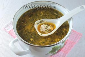 Перелить суп в обычную кастрюлю. Наш суп с фрикадельками в мультиварке готов. Приятного аппетита !