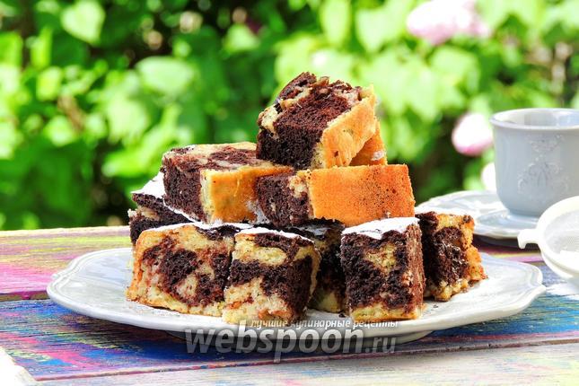 Фото Мраморный пирог с ревенем