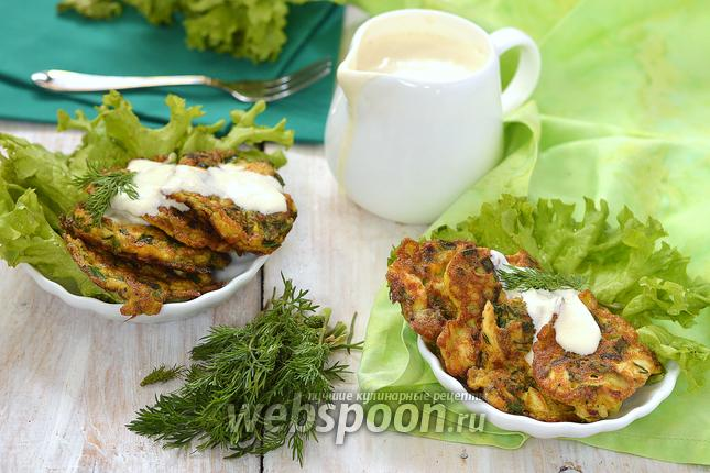 Фото Оладьи из варёных яиц, зелёного лука и укропа