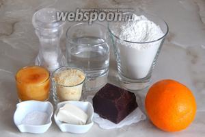Шоколадную лапшу с апельсинами мы будем готовить из таких продуктов, как: апельсины свежие, горький шоколад, мука пшеничная, мёд натуральный, вода, щепотка соли, сахар (я взяла апельсиновый, но можно и простой сахар-песок), масло сливочное, сахарная пудра для посыпки.