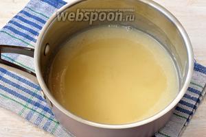 Добавить набухший желатин и размешать до полного растворения желатина.