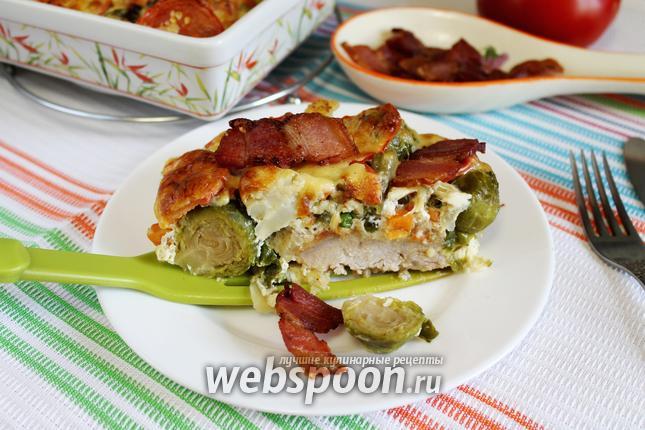 Фото Свиные отбивные с овощами и сыром в духовке