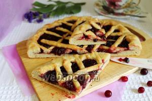 Открытый пирог с клюквой на кефире