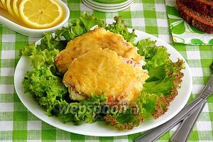 Горбуша, тушёная в сливках под сырной корочкой