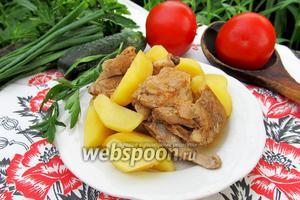 Картофель тушёный с рёбрышками молодого козлёнка в мультиварке