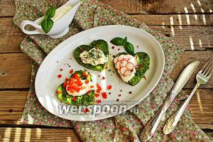 «Зелёный» омлет с творожным кремом