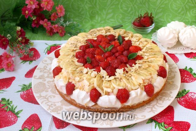 Фото Клубнично-банановый торт с зефиром