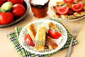 Блинчики из лаваша с начинкой из сыра и зелени