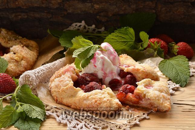 Рецепт Галета с ревенем и клубникой