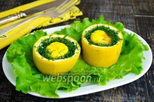 Яйца, запечённые в цукини