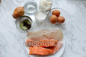 Для приготовления пельменей с рыбой нам понадобятся следующие продукты: мука, соль, специи, яйца, рыба, сливки и вода.