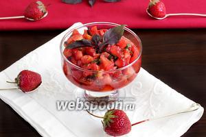 Тартар из томатов и клубники