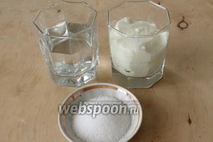 Для айрана нужно: простокваша (или любой кисломолочный продукт), вода или минералка, соль.