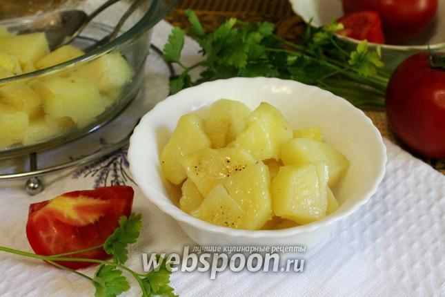 Фото Молодой картофель в микроволновке