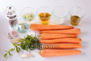 Как видите, кроме моркови в состав этого блюда входят исключительно приправы всех направлений, кроме горького. Соответственно, увеличивая или уменьшая количество того или иного компонента, можно смещать вкус в любую сторону: делать более солёным или более кислым, или более острым. Соотношение, которое даю я, не имеет какого-то доминирующего оттенка: морковка получится кисло-сладкая, с почти неощутимой чесночной остротой.