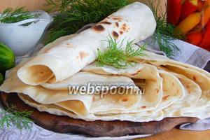 Тонкий армянский лаваш на сковороде