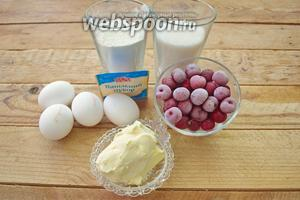 Для приготовления пирога нам нужно: свежая или замороженная вишня, 4 яйца — понадобятся только желтки, ванильный сахар, сливочное масло, мука, сахарный песок. Дополнительно: пекарская бумага и карандаш.