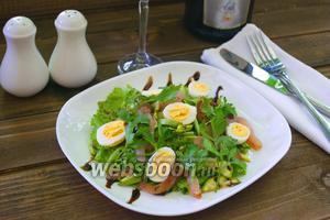 Нежный салат с балыком и перепелиными яйцами