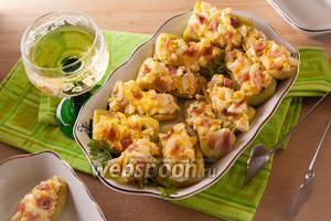 Жареный огурец с сыром и чесноком