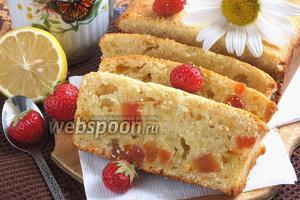 Творожный кекс с шафраном и цукатами