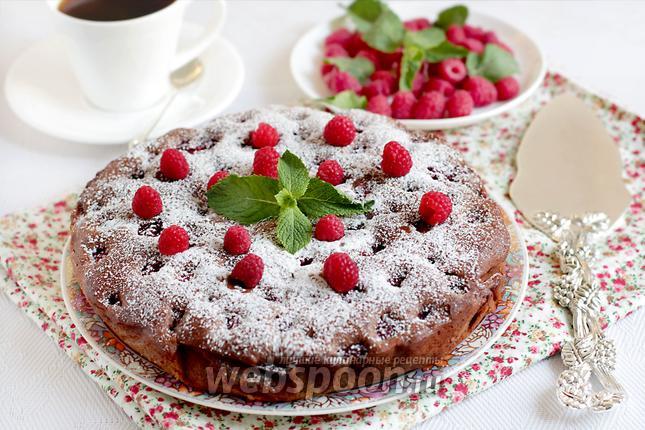 Фото Шоколадно-малиновый пирог