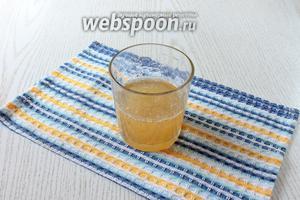 Перед варкой варенья замочите быстрорастворимый желатин в холодной кипячённой воде.