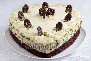 Украсить пирог по своему вкусу и желанию. Приятного аппетита!