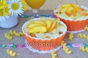 Макаронник с персиками