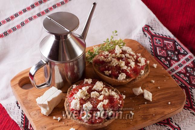 Фото Дакос — критский диетический чизбургер