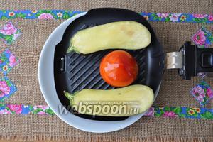 Выложим овощи на сковороду для гриля мультипечи, у меня Филипс 9235.