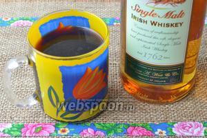 Для пропитки потребуется кофе и виски.