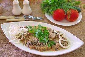 Люля-кебаб с моцареллой в сливочно-грибном соусе